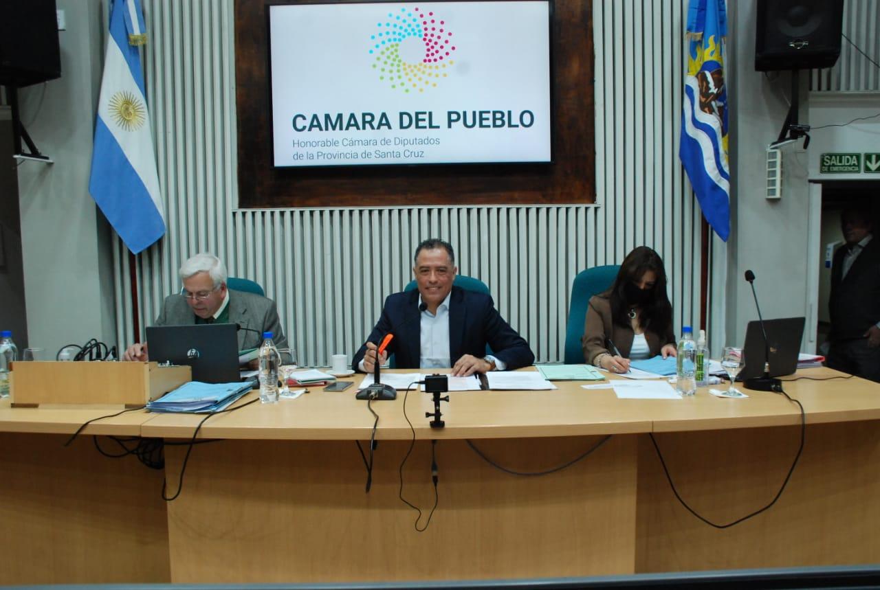 El Vicegobernador Eugenio Quiroga presidió la octava sesión ordinaria del presente periodo legislativo.