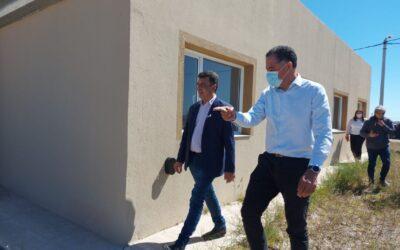 Quiroga acompañó la inauguración de dos obras clave y entrega de viviendas